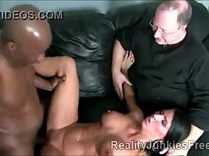 Big staced brunette shames her daddy by..
