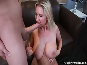 my hot mom wants sex every day / mi..