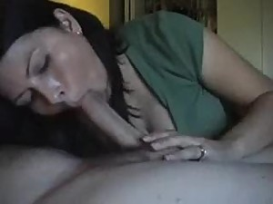 [15-8-16] Beautifull Amateur Wife Sucks..
