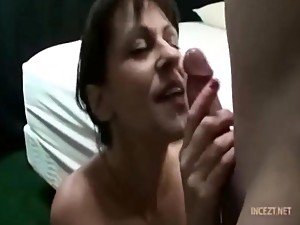GIVING MOM'S MOUTH A LOAD