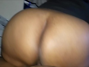 BIG BOOTY STEP MOM A MATURE EBONY MILF..